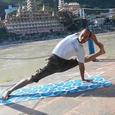 Sarvottam is a Yogi & Meditation Master at Mantra Yoga & Meditation School.