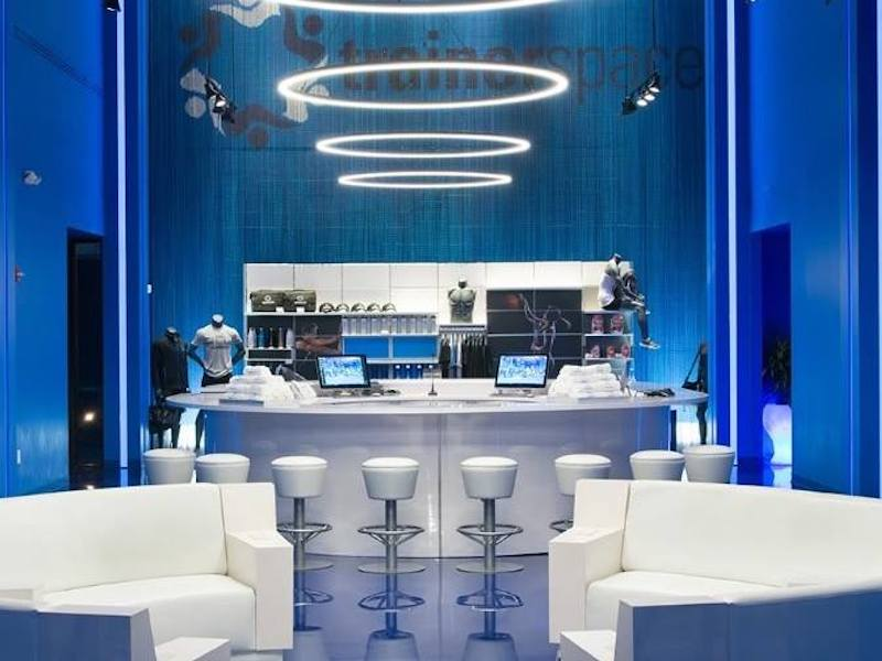 modern futuristic retail interior health club design